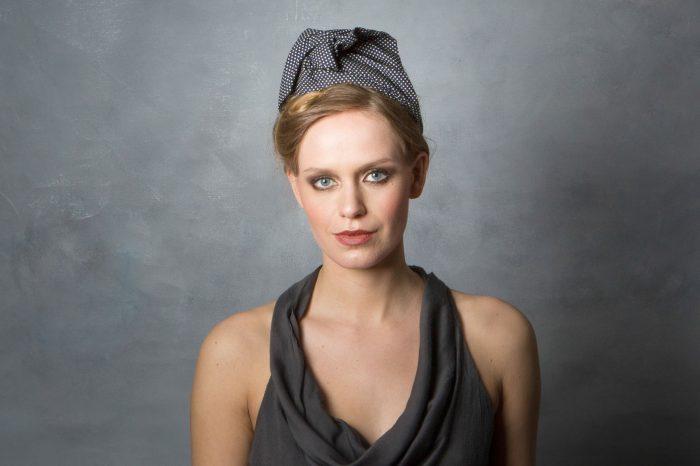 Navy_blue_vintage_style_headwrap